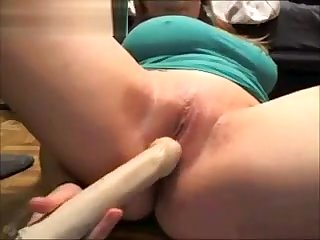 Curvy Chick Plays With Her Vagina