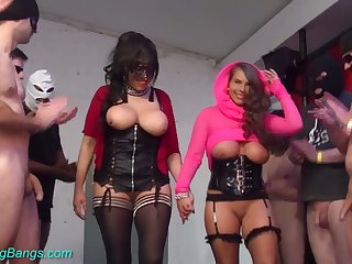 Just enjoy real gangbang with such a perverted chunky breasted hoe Erotic Susi