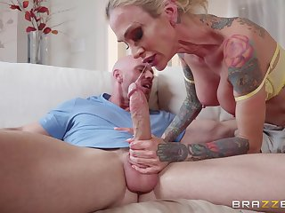 inked delivery babe Sarah Jessie gets more than a tip from a hung clothes-horse