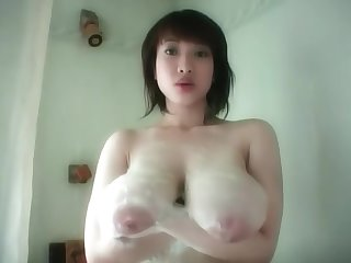 Shoko Goto washes say no to engored saggy juggs