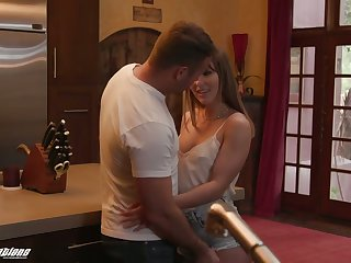 Hot blooded baffle fucks deep throat plus mouth-watering twat be advisable for adorable stepsister Paige Owens