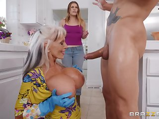 Sally D'angelo gets her cunt fucked away from a attracting dude in burnish apply kitchenette