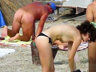Amateur Nudist Voyeur Beach - Adult Close Up Pussy