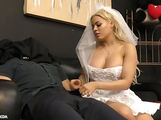 Cuban strife = 'wife' Luna Star gives a blowjob and tugjob to her dutiful groom