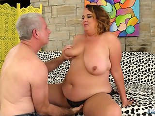 BBW Slut Light up Has Her Pussy Stretched