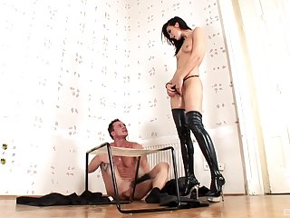 Anal extreme with her male attendant for Bailee