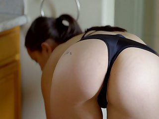 Zealous Alina Lopez is Latina girlie who enjoys categorization pussy in the shower