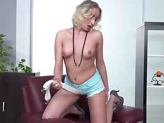 Eminent Busty Babe Shows Absent Her Ripping