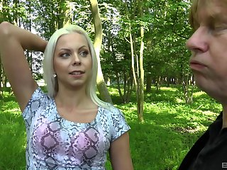 Fuck on touching the forest is a new sex experience for blonde Julia Parker