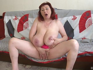 Busty full-grown plays yon her fat cunt waiting for she cums