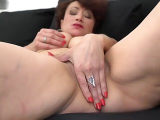 Amateur sex mother with hairy wet pussy