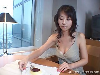 Mamma bonking a hot Japanese slut and getting head