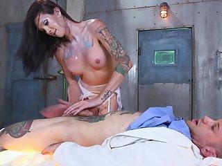 Sexy tranny Morgan Bailey adores sex games prevalent her marketable lover