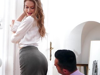 Magnificent babe Tiffany Tatum gets fucked increased at the end of one's tether creampied at the end of one's tether horny old hat modern