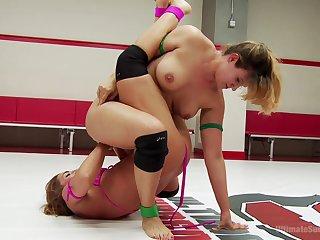 Cat fight extreme MILF porn in lesbian XXX play