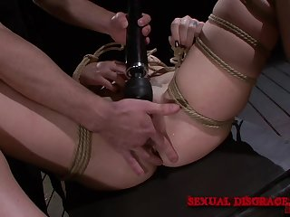 Way-out bondage leads the woman to a excellent orgasm
