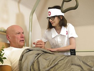 Nurse treats old patient with be passed on most demented XXX