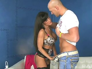 Amazing Lisa Ann places her quivering pussy on a throbbing goof-up