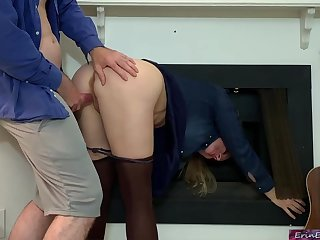 Meaty bum lady, Erin Electra is groaning while her mischievous step- sonnie is penetrating her brains out
