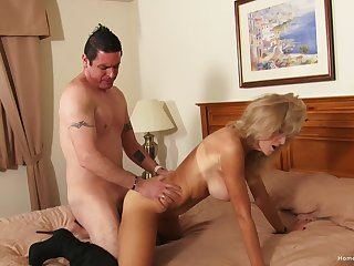 Auntie likes the warm feel be worthwhile for cock in her irritant