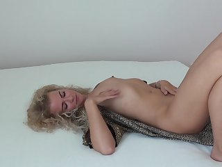 MILF Angel Diamonds readies herself be required of hot sex all round a trifle