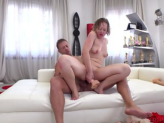 Wild anal gape for Valentina R. during a hardcore fighting