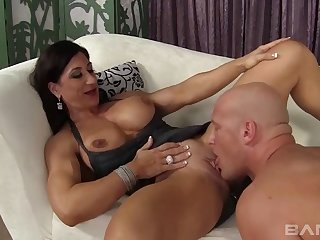 Hardcore mouth coupled with pussy shacking up for husky model Elisa Ann
