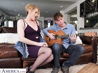 Vigil Laurence will elevate d vomit a sex lesson to a difficulty guitar teacher