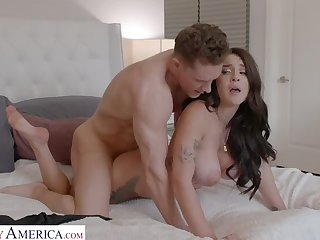 Gabbie Carter gets the brush in like manner with the brush friend's brother