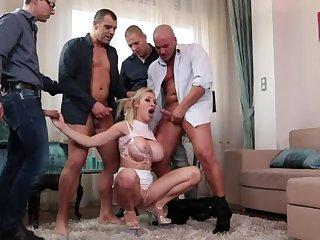 Busty Blonde Pamper Enjoys Multidick Sucking