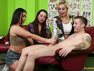 Video for cock energized sluts Hannah Shaw and Zoe Davis giving addict
