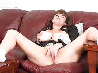 Nude busty mature with wonderful cunt, plumb loco solo masturbation