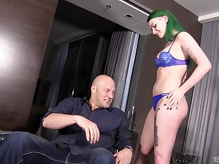 Amateur green haired chick Paige Pierce moans during hardcore sexual connection